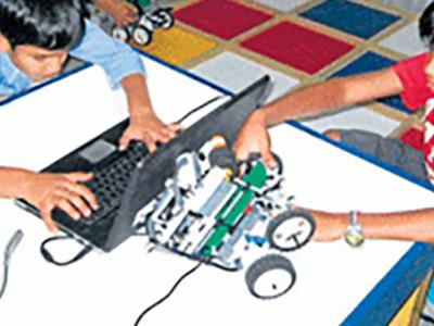 LEGO ROBOTICS & CODING